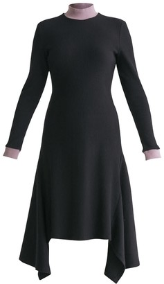 Paisie Turtleneck Ribbed Dress With Handkerchief Hem & Contrasting Collar In Black & Lilac