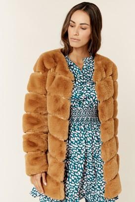 Gini London Camel Diagonal Cut Faux Fur Long Sleeve Jacket