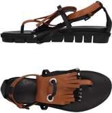 VIC Toe strap sandals
