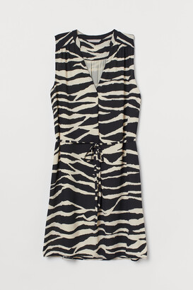 H&M Tie-belt dress