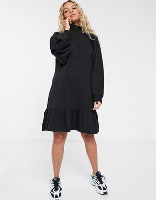 Monki organic cotton jersey smock dress in black-Beige