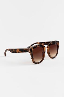 francesca's Raquel Tortoise Round Sunglasses - Leopard