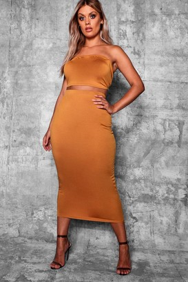 boohoo Plus Crepe Basic Midi Bodycon Skirt