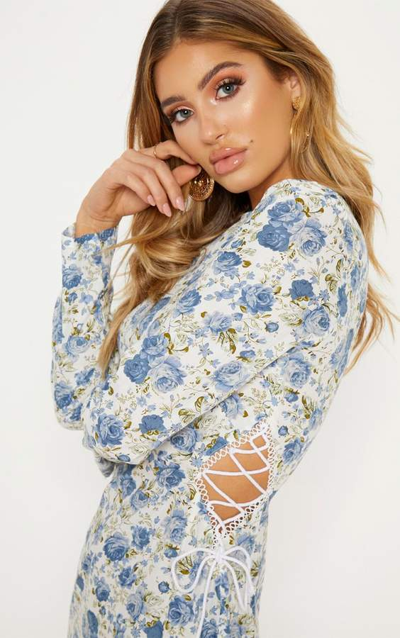 PrettyLittleThing Blue Floral Lace Up Side Frill Hem Bodycon Dress