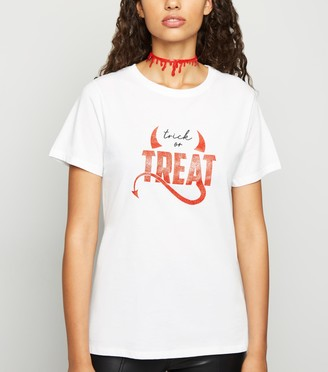 New Look Halloween Trick Or Treat Devil Slogan T-Shirt