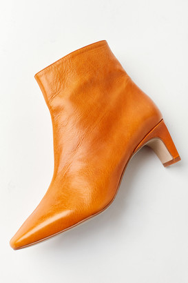 INTENTIONALLY BLANK Las Ankle Boot