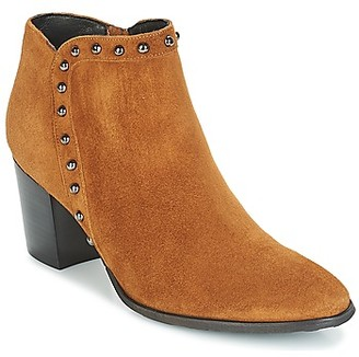 Myma POUTZ women's Low Ankle Boots in Brown