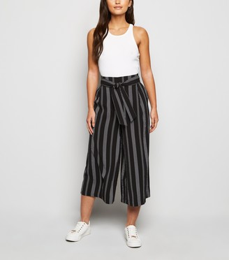 New Look Petite Stripe Tie Waist Crop Trousers