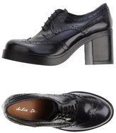 Julie Dee Lace-up shoe