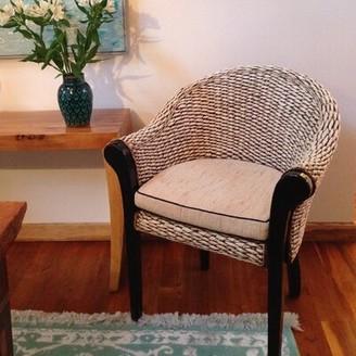 Chic Teak Banana Leaf Barrel Chair