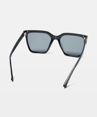 Quay Level Up Sunglasses Black