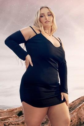 boohoo Plus Strappy Plunge Bodycon Dress