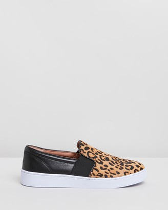 Vionic Demetra Slip-On Sneakers