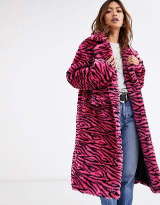 Qed London QED London faux fur coat in pink tiger print