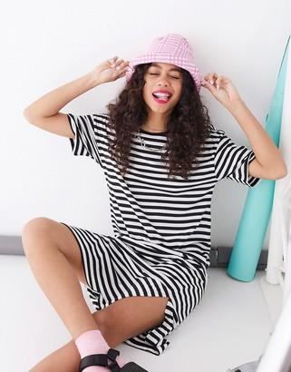 Noisy May oversized t-shirt dress in stripe