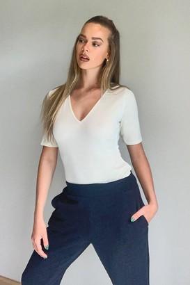 boohoo Rib V-Neck Short Sleeve Bodysuit