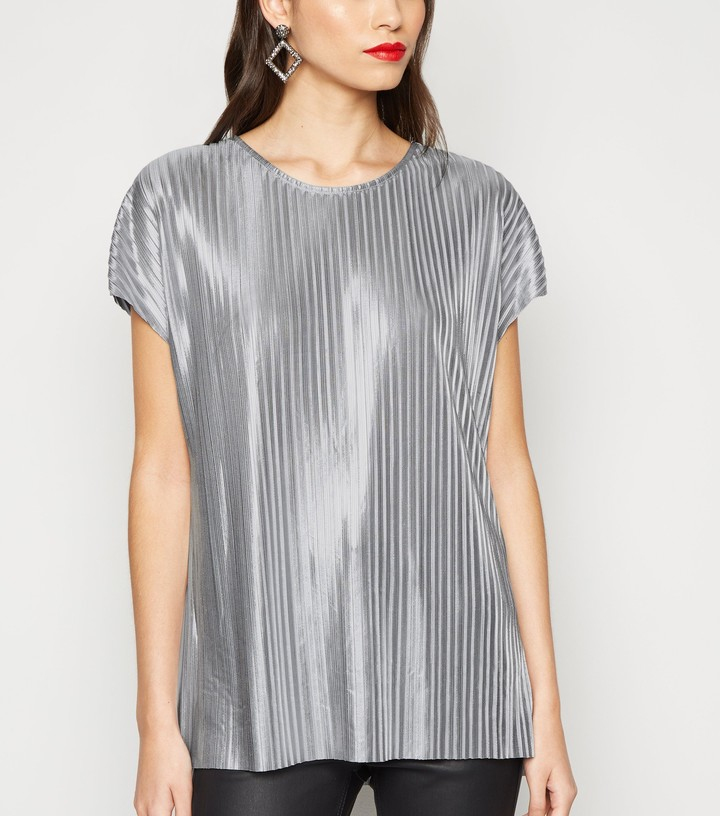 Thumbnail for your product : New Look Plisse Top