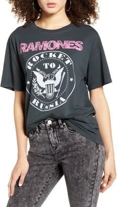 DAY Birger et Mikkelsen Ramones Rocket to Russia Graphic Tee