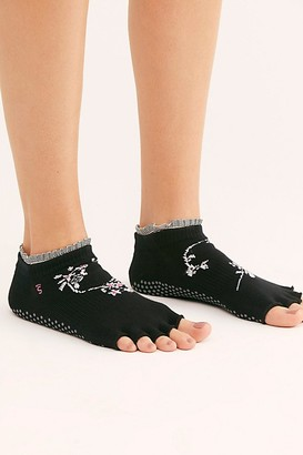 Toesox Evermore Ruffle Grip Socks