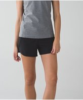 Lululemon Tracker Short III *4-way Stretch