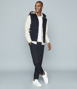 Reiss Lark - Quilted Gilet With Detachable Hood in Navy