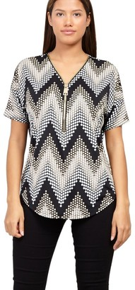 M&Co Izabel zip front chevron tunic top