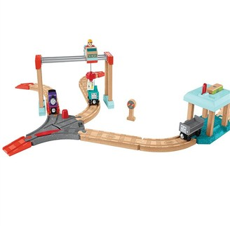 Thomas & Friends Fisher-Price Wood Lift & Load Cargo Set