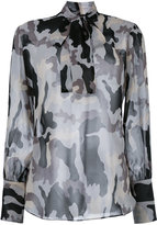 Nili Lotan camouflage pussy bow blouse - women - Silk - S