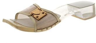 Louis Vuitton White/Transparent Acrylic and Leather Trim Buckle Sandals Size 38.5