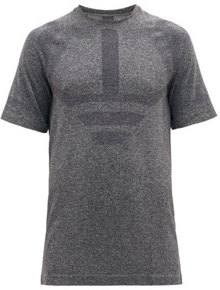 LNDR Iron Technical Performance T-shirt - Grey