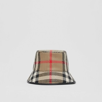 Burberry atticed eather Bucket Hat