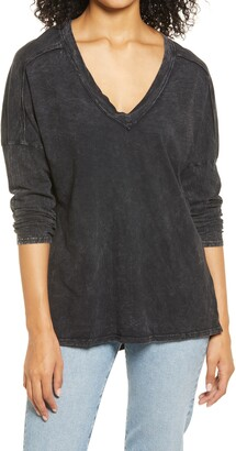 Everleigh Garment Dye V-Neck T-Shirt