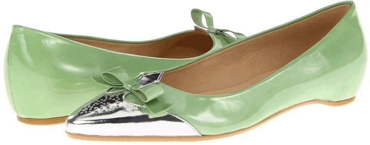 Stuart Weitzman Whiskerlo (Salad Aniline) - Footwear