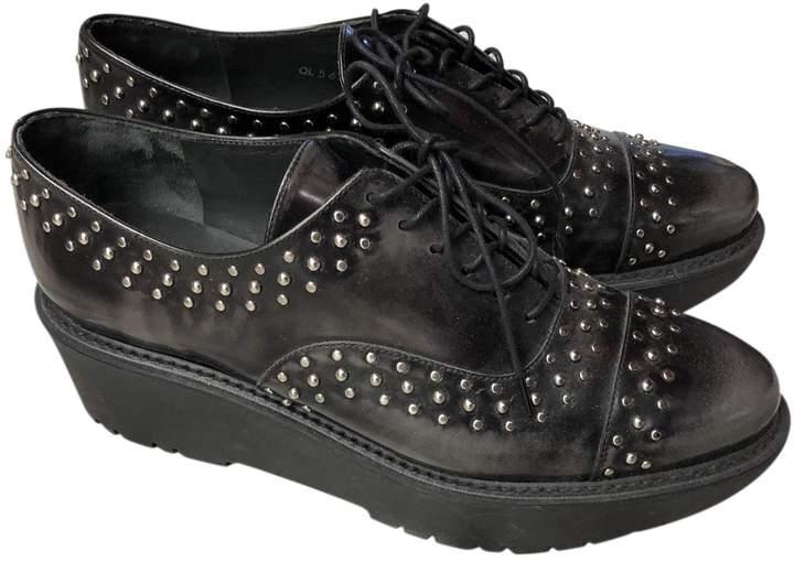 Stuart Weitzman Black Leather Lace ups
