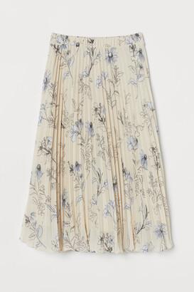 H&M Pleated chiffon skirt