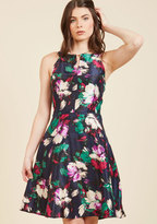 Woman of the Party People Floral Dress in 14