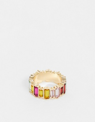Pieces rainbow emerald cut ring in gold