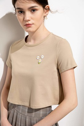 J.ING Petite Daisy Beige Embroidered Crop Tee
