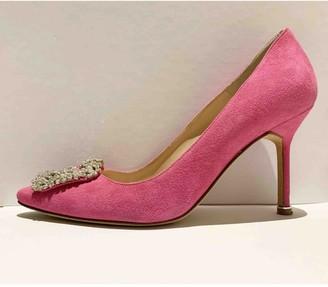 Manolo Blahnik Hangisi Pink Suede Heels