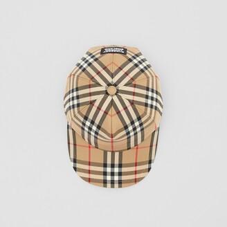 Burberry ogo Appique Vintage Check Baseba Cap