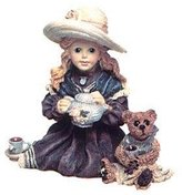 Wilson Boyd's Boyds Bears Whitney with Tea Party Statue