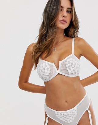 Asos Design DESIGN Jojoe embroidered lace underwired bra-White