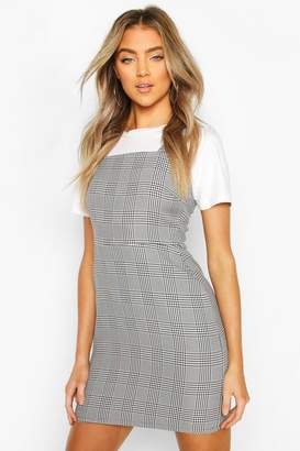 boohoo Prince Of Wales flannel Square Neck Pinafore