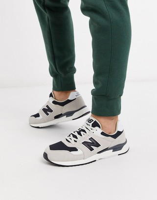 New Balance 570 trainers in stone