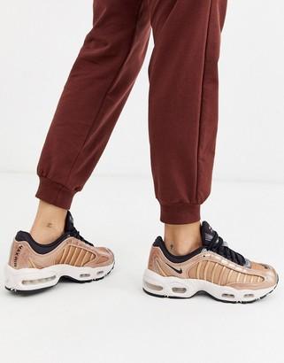 Nike Tailwind bronze Glitter sneakers