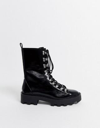 Bershka ski hook cleated sole boots in black