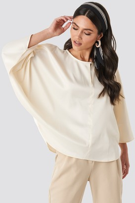 NA-KD Batwing Cropped Blouse Beige