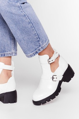 Nasty Gal Womens Cut-Out of Their League Chunky Croc Boots - White