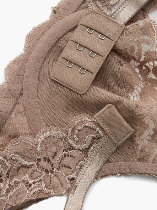 Thumbnail for your product : Hanro Moments Lace Underwired Bra - Beige