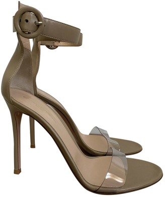Gianvito Rossi Stella Beige Leather Sandals